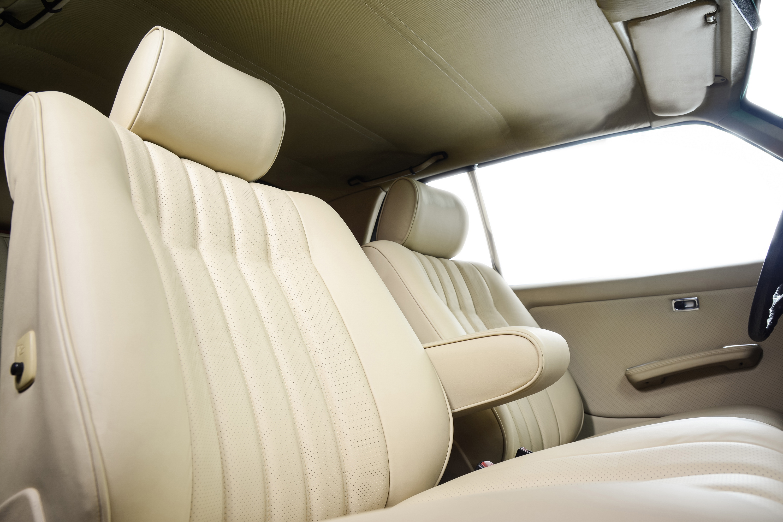 mercedes-benz-w123-coupe-nowa-tapicerka-olczak-22